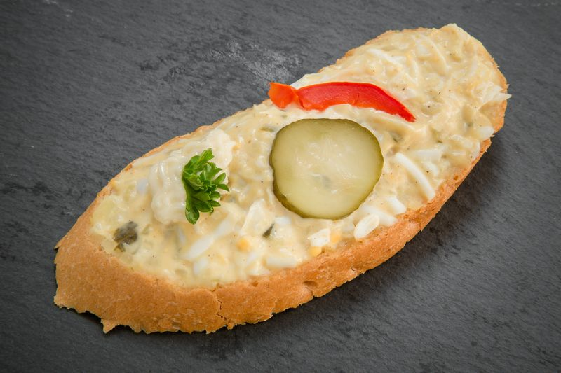 Abbildung von Ei-Aufstrich Sandwich