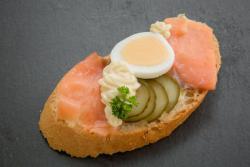 Abbildung von Räucherlachs Sandwich